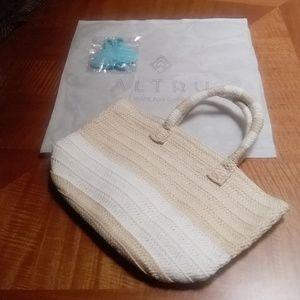 NIP Classic Altru Straw Tote w/Dust Bag & Tassels
